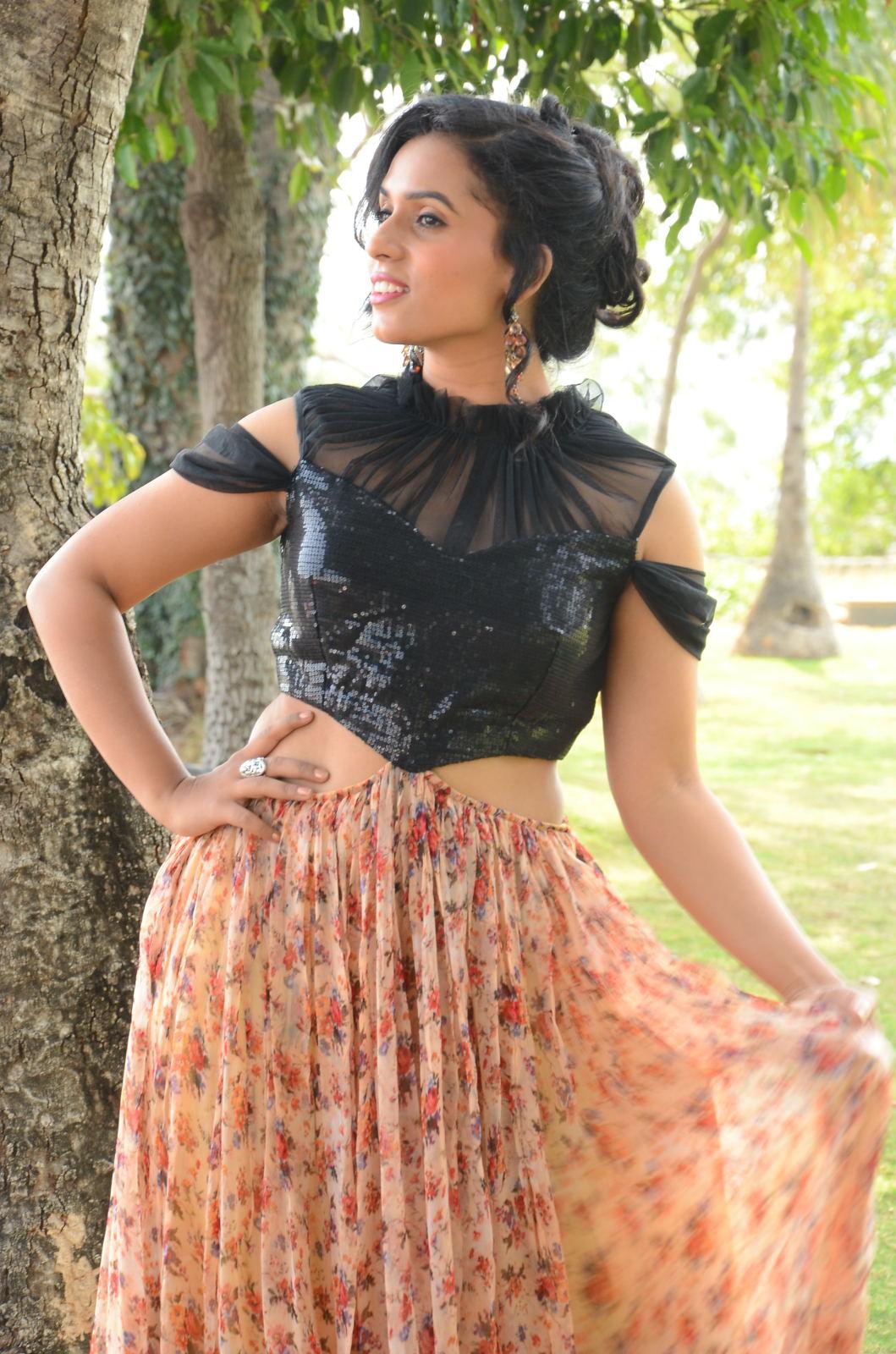 chetana uttej Brand New Photo Stills Of South Actress Chetana Uttej | Tollywood Chetana Uttej 14