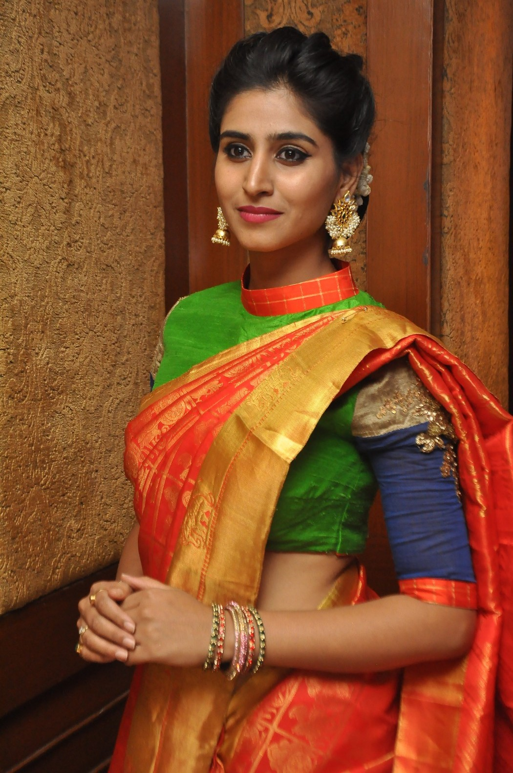 Love For Handloom Celebs and Models Dazzle In Elegant Outfit   Love For Handloom Praneetha Love For Handloom 462