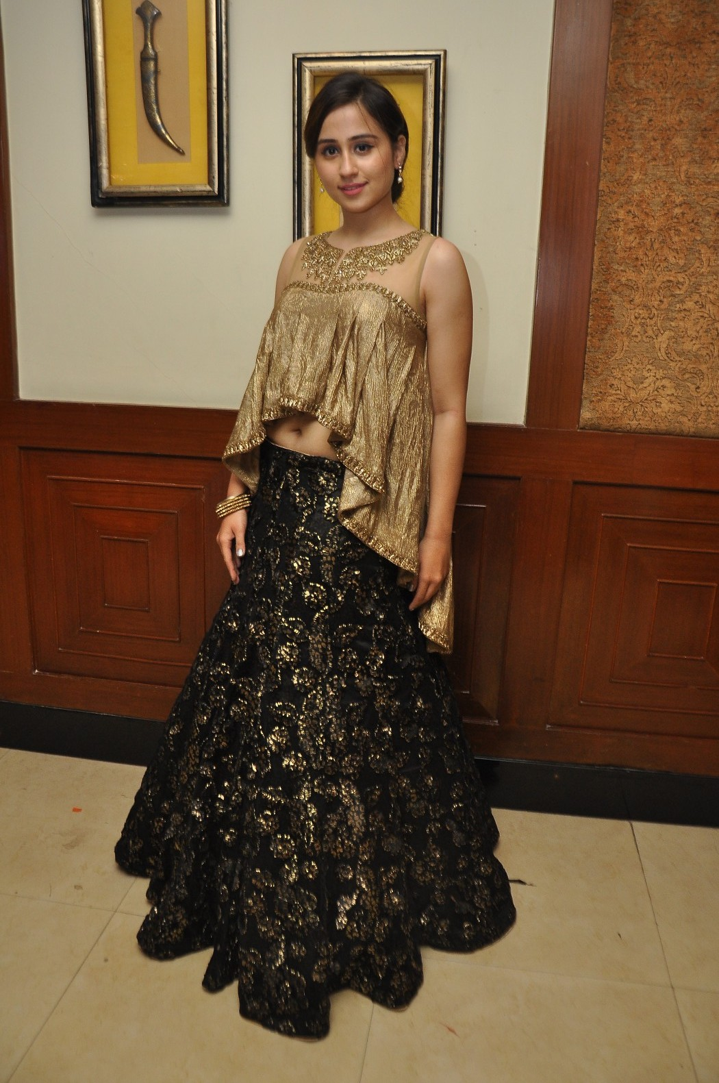 Love For Handloom Celebs and Models Dazzle In Elegant Outfit   Love For Handloom Praneetha Love For Handloom 490