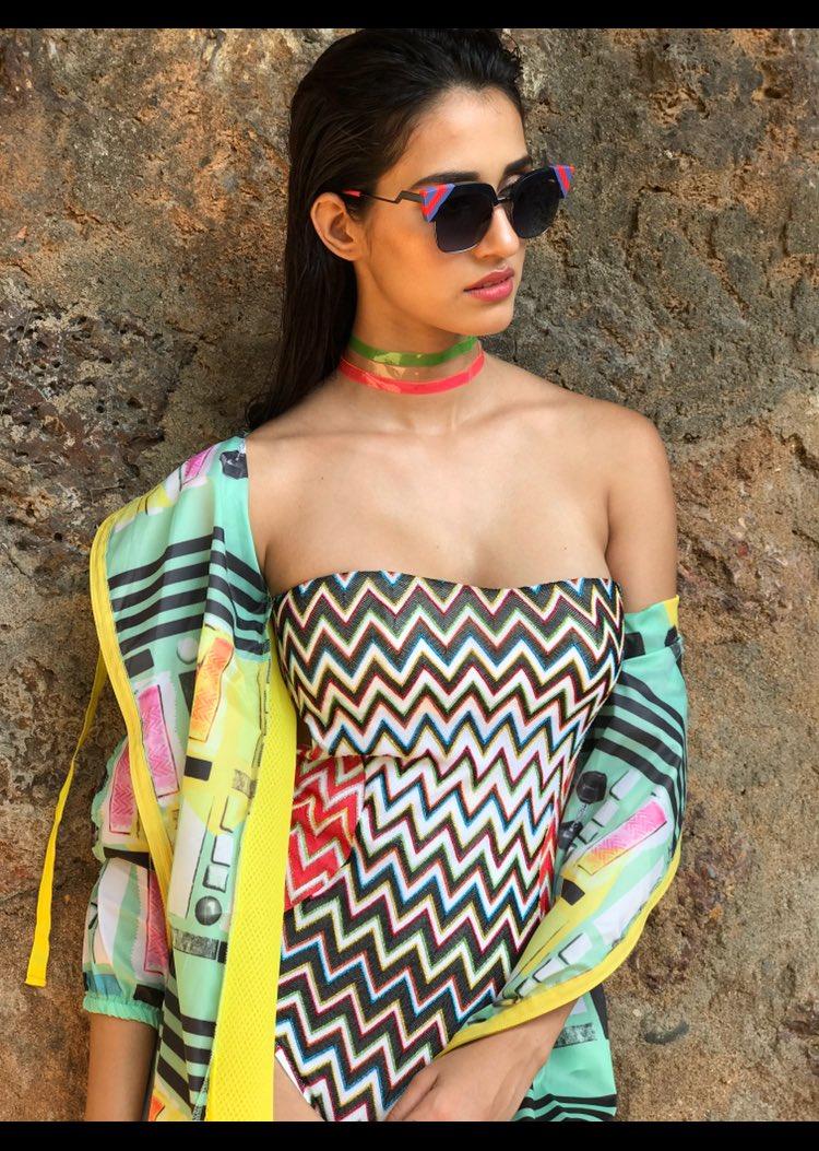 Super HOT Actress Disha Patani Sizzles In Sexy Outfit | Beautiful Indian Actresses Disha Patani Super HOT Actress Disha Patani Sizzles In Sexy Outfit | Brand New HD Pics Disha Patani Super Hot Photo Stills 3